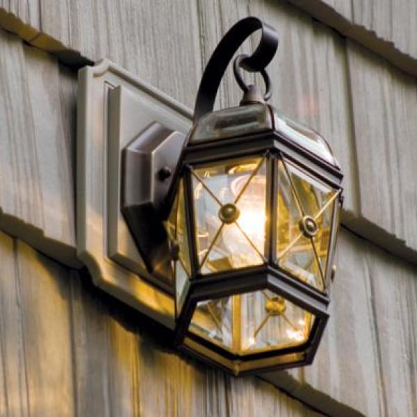 Блоки для фасадных выходов и освещения